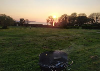 barbecue coucher soleil mer